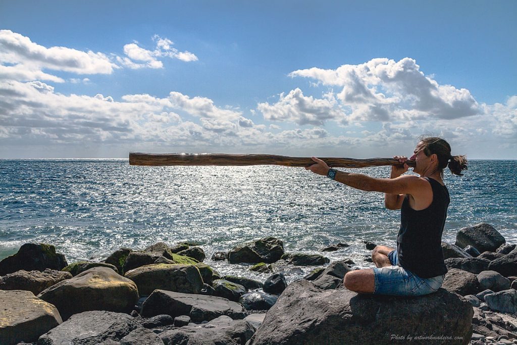 Vibrational Sound Healing with a didgeridoo by Omananda