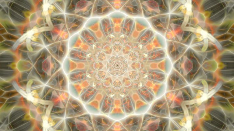 Crystalline Sound & Krystleyez Visions (Video)